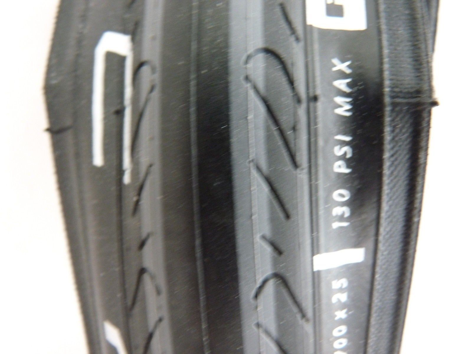 Serfas Seca 700x23 RS Survivor Folding Tire Black