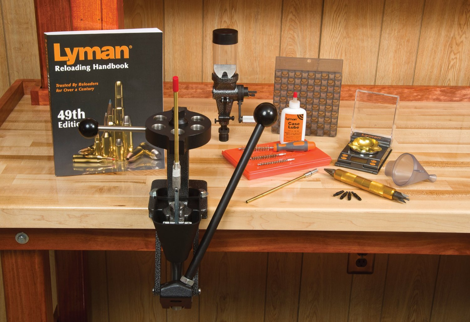 Click here to buy Lyman T-Mag Master Reloading Kit w 1500 Micro-Touch Scale 7810284 by Lyman.