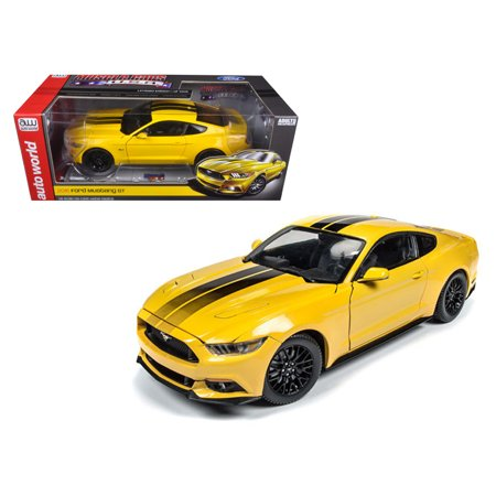 - 2016 ford mustang gt 5.0 yellow limited edition to 1002pcs 1/18 diecast model car  by autoworld