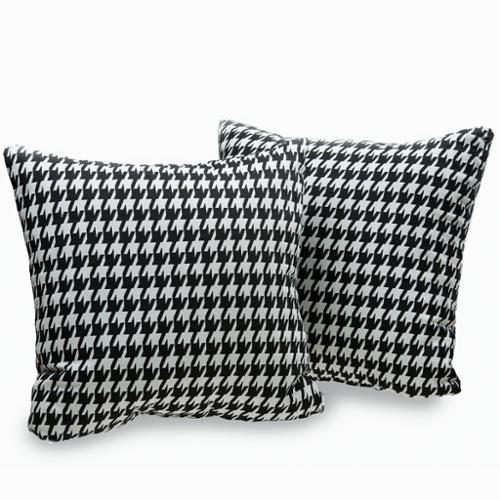 Decorative Throws & Pillows