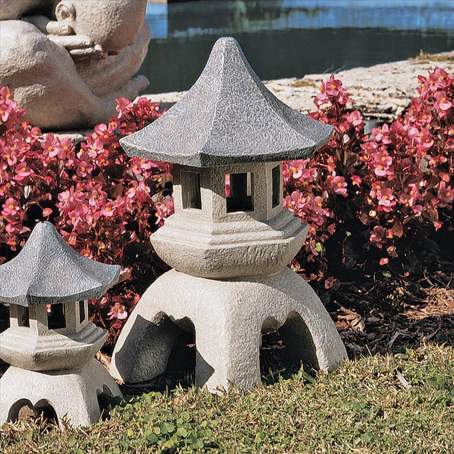 Pagoda Lantern Sculpture: Large