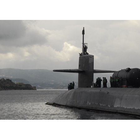 LAMINATED POSTER The guided-missile submarine USS Florida (SSGN 728) arrives to Naval Support Activity Souda Bay for Poster Print 24 x 36