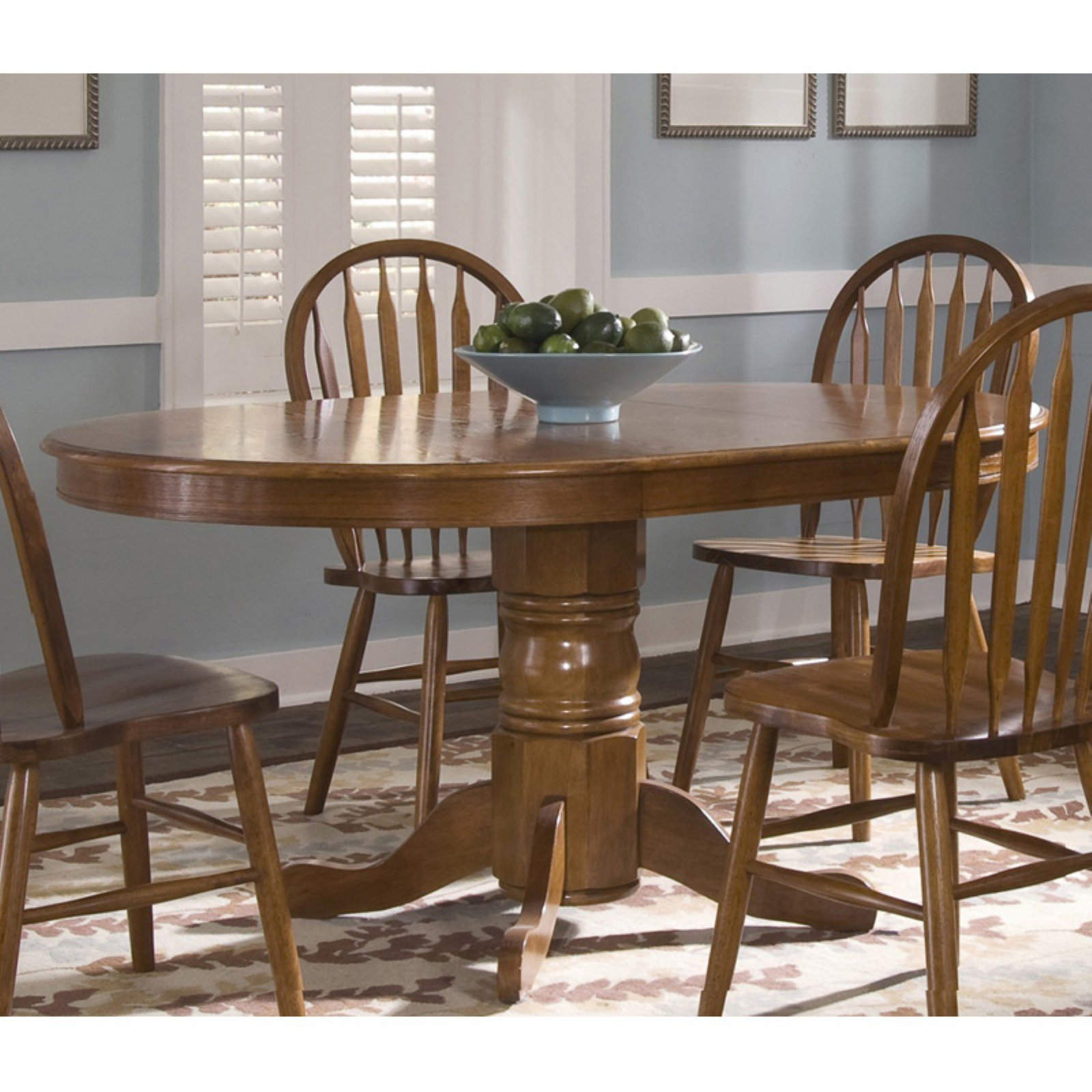 Liberty Furniture Industries Nostalgia Oval Extension Dining Table