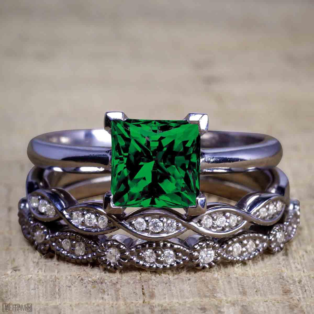 Bestselling 150 Carat Princess Cut Emerald And Diamond Trio Wedding Ring Set In Black Gold: Green Lantern Emerald Wedding Band Set At Websimilar.org