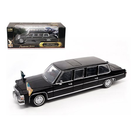 1983 Cadillac Fleetwood Presidential Limousine With Flags 1/24 Diecast Car Model by Road Signature (Cadillac Presidential Limousine)