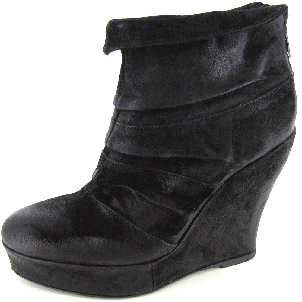 Boutique 9 Women's Beechia Bootie Economical, stylish, and eye-catching shoes