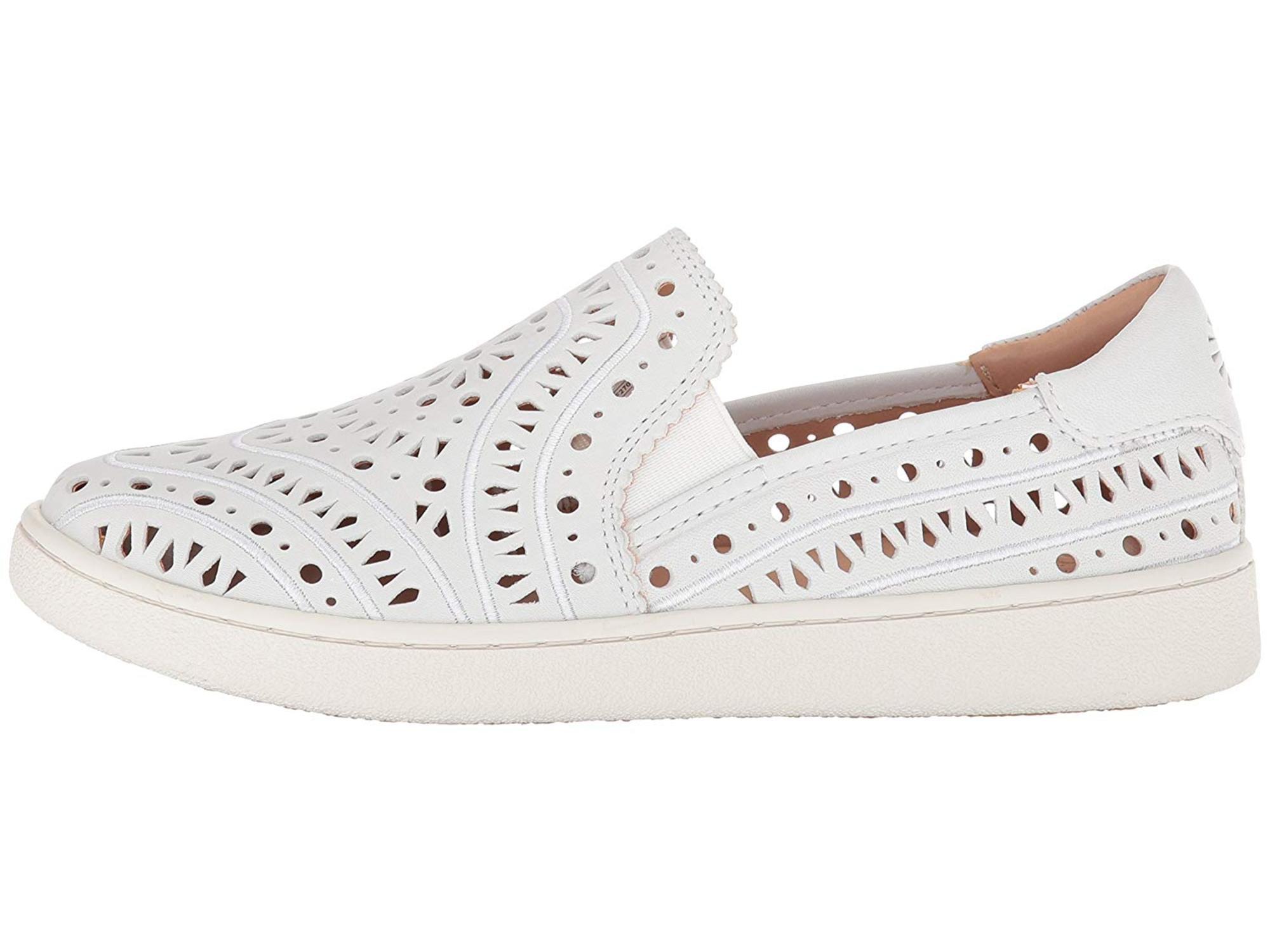UGG Australia Women's Cas Perf Sneaker