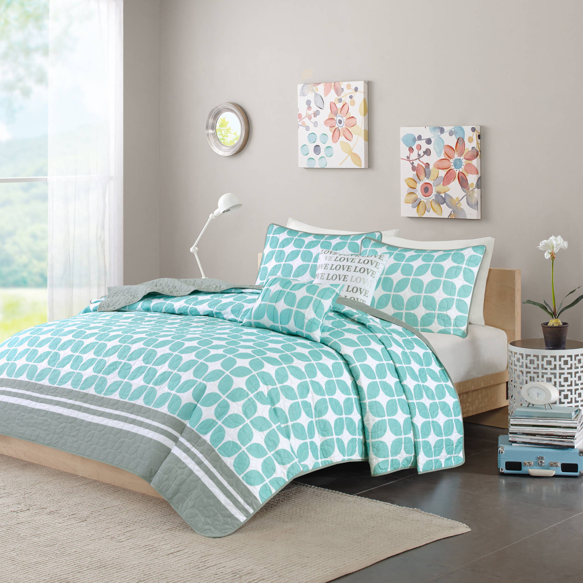 Home Essence Apartment Sonya Coverlet Set by E&E Co.