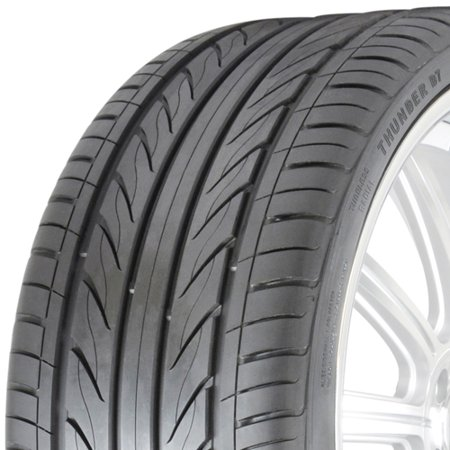 Delinte D7 255/45R20 105W XL BSW UHP tire