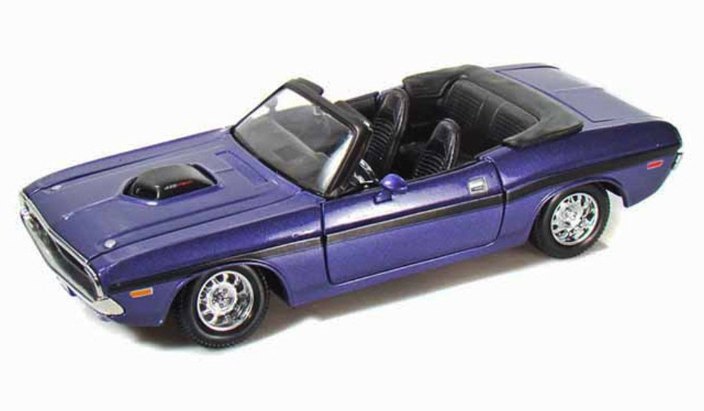 1970 Dodge Challenger R T Convertible, Purple Maisto 31264 1 24 scale diecast model car by Maisto