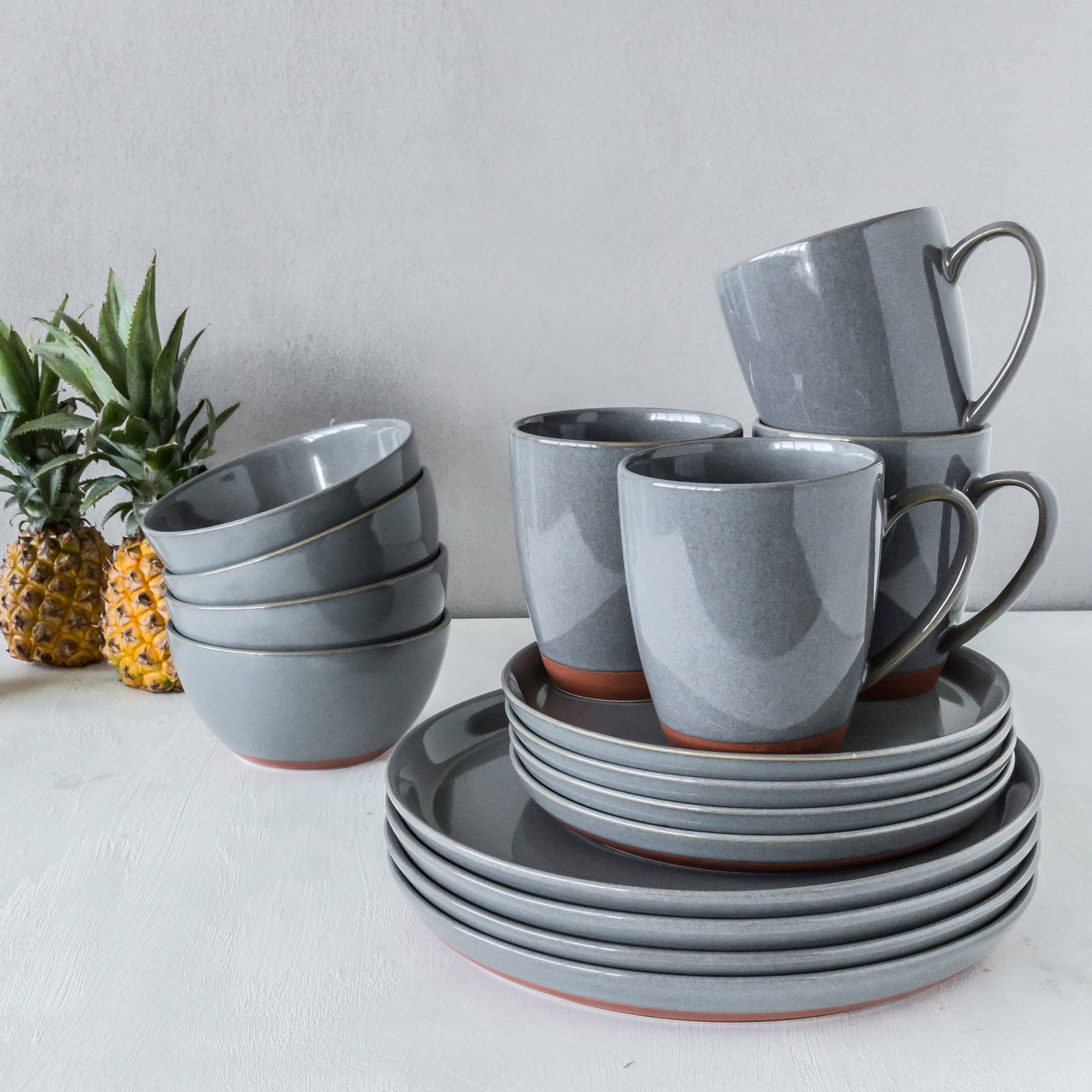 Better Homes and Gardens Claybrooke Stoneware Gray 16-Piece Dinnerware Set