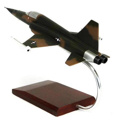 Daron Worldwide Grumman F-5E Tiger II Model Airplane