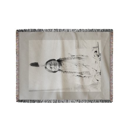 Sitting Bull Native American with Peace Pipe - Vintage Photograph (60x80 Woven Chenille Yarn - Woven Photo Blankets