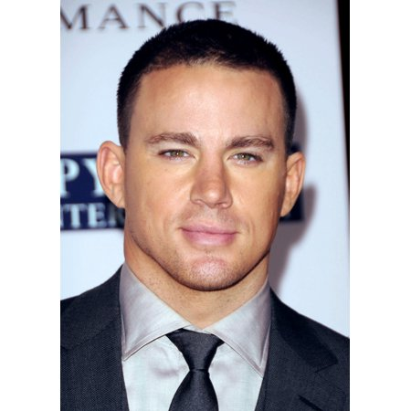 Channing Tatum At Arrivals For The Vow Premiere Canvas Art     16 X 20