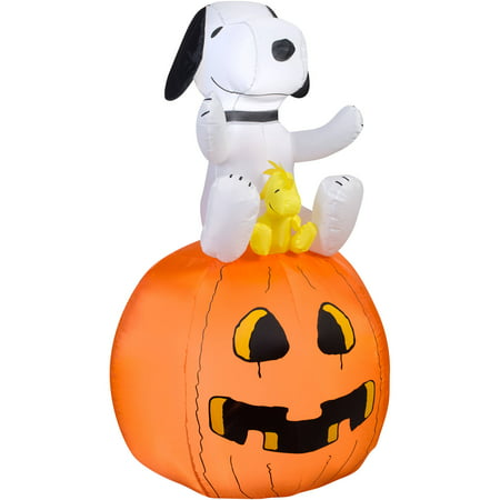 Airblown Inflatable-Snoopy on Pumpkin by Gemmy - Inflatable Snoopy