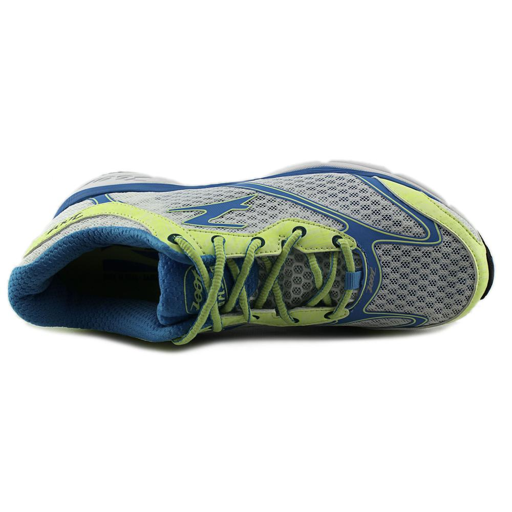 Zoot Sports Carlsbad Economical, stylish, and eye-catching shoes