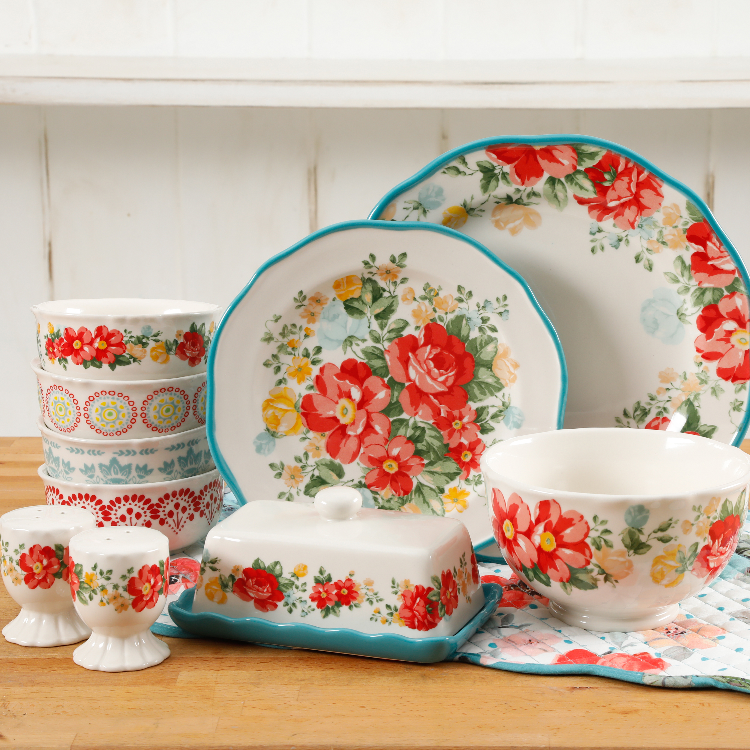 The Pioneer Woman Vintage Ruffle 20-Piece Dinnerware Set : 20 piece dinnerware set - Pezcame.Com