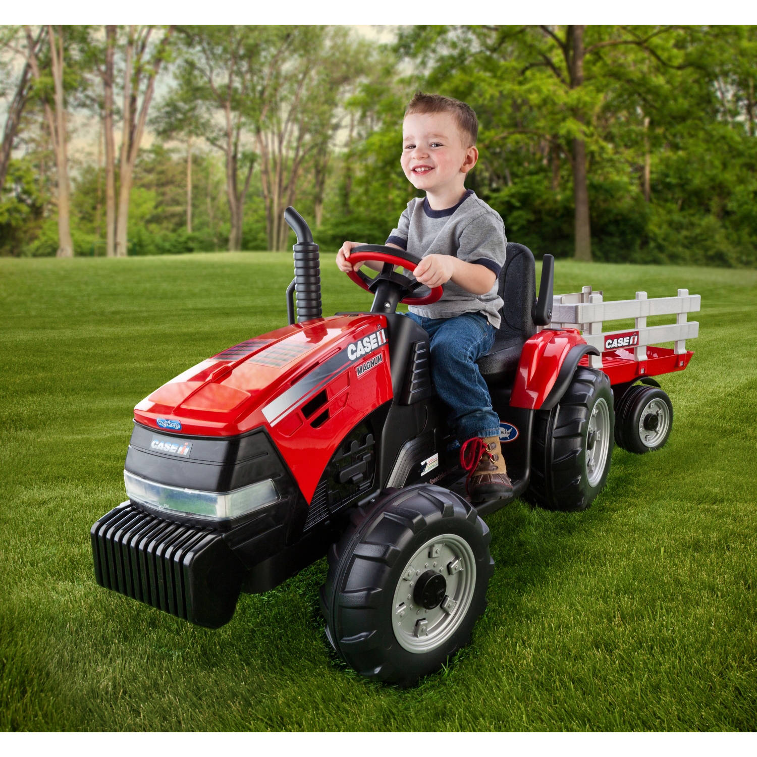 Peg Perego Case IH Magnum Tractor and Trailer 12-Volt Battery-Powered Ride-On by Generic
