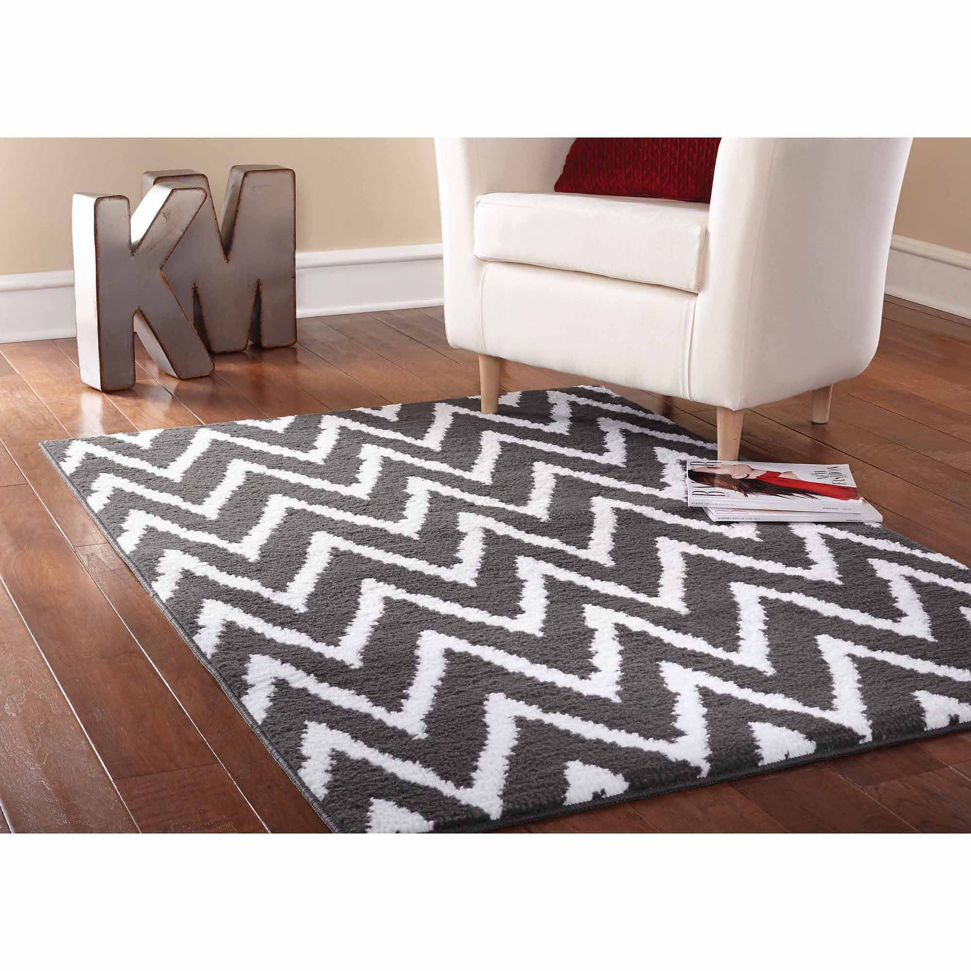 Mainstays Distressed Zig Zag Cinder Area Rug, Gray/White
