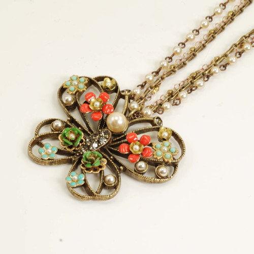 Sweet Romance Mariposa Butterfly Necklace