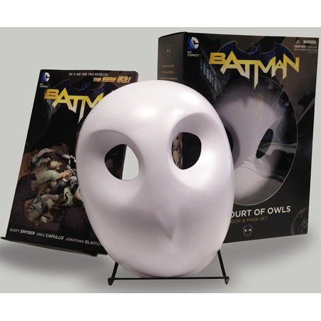 Batman: The Court of Owls Mask and Book Set (The New