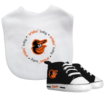 MLB Baltimore Orioles Bib & Prewalker Baby Gift Set