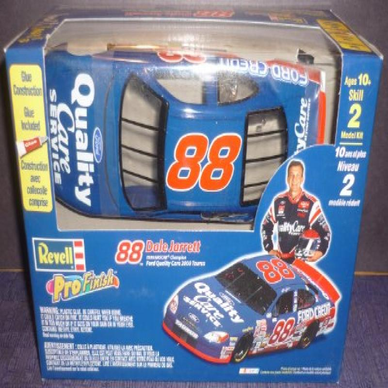 #1642 Revell Pro Finish #88 Dale Jarrett Ford Quality Care 1 24 Scale Plastic Model Kit by