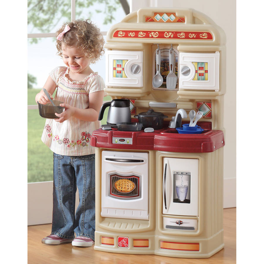 Step2 Cozy Kitchen Includes 21 piece Accessory Set