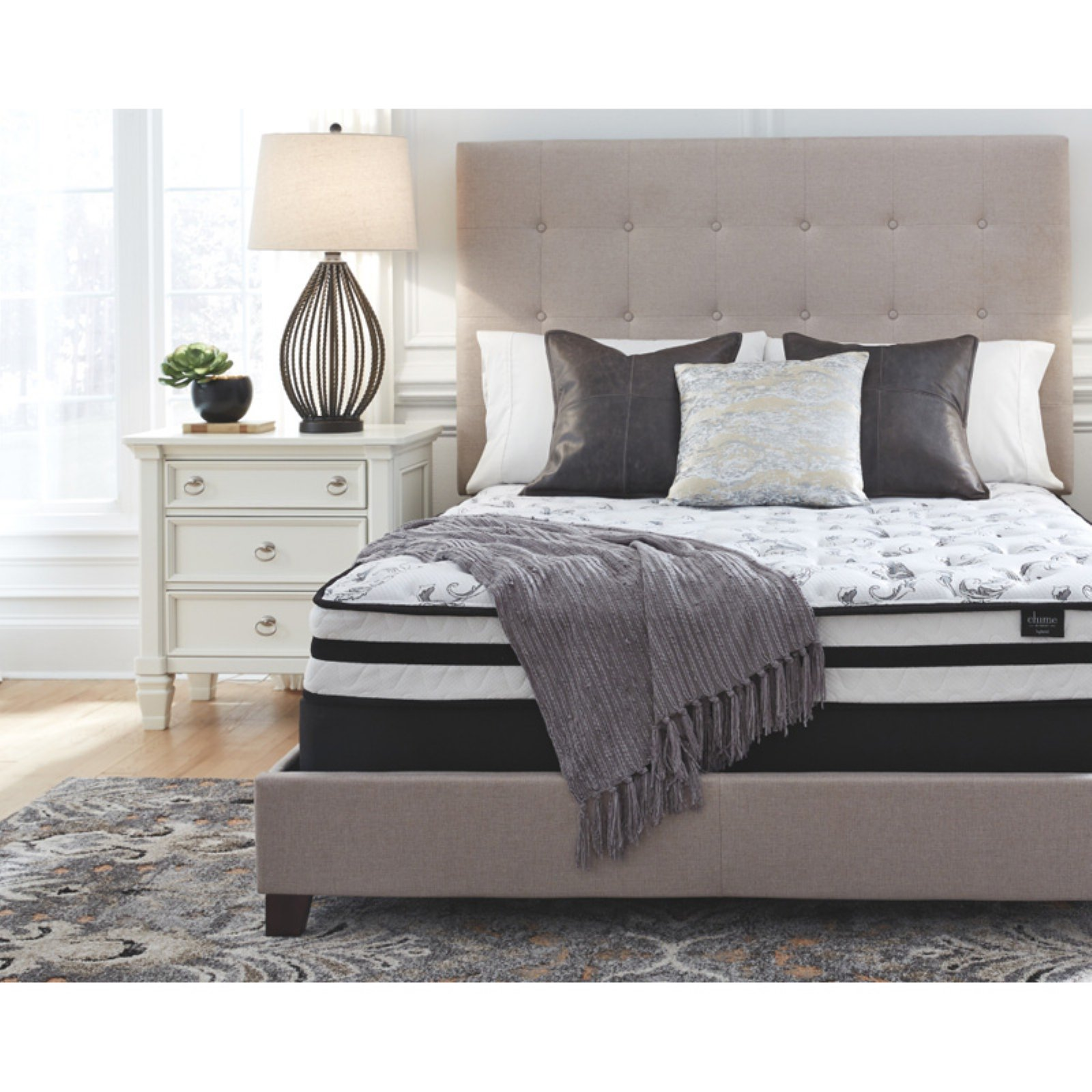 Signature Design by Ashley 8 Inch Chime Innerspring Mattress
