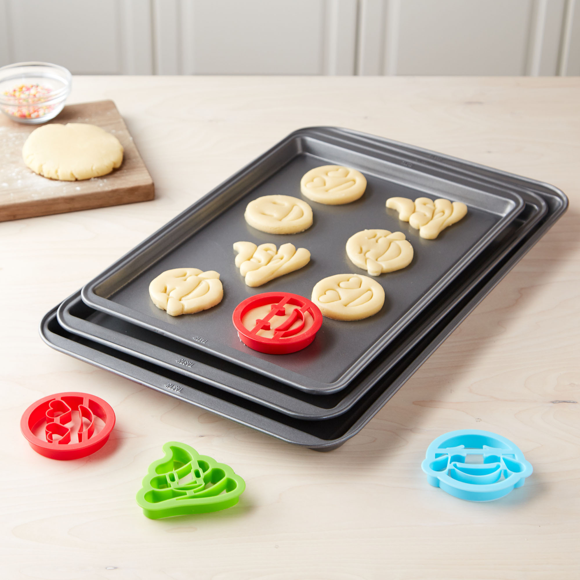 Tasty 3pc Cookie Sheet Set with 4 Cookie Cutters