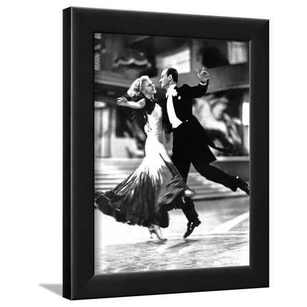 Fred Astaire And Ginger Rogers Classic Dancing Framed Print Wall Art By Movie Star News Walmart Com Walmart Com