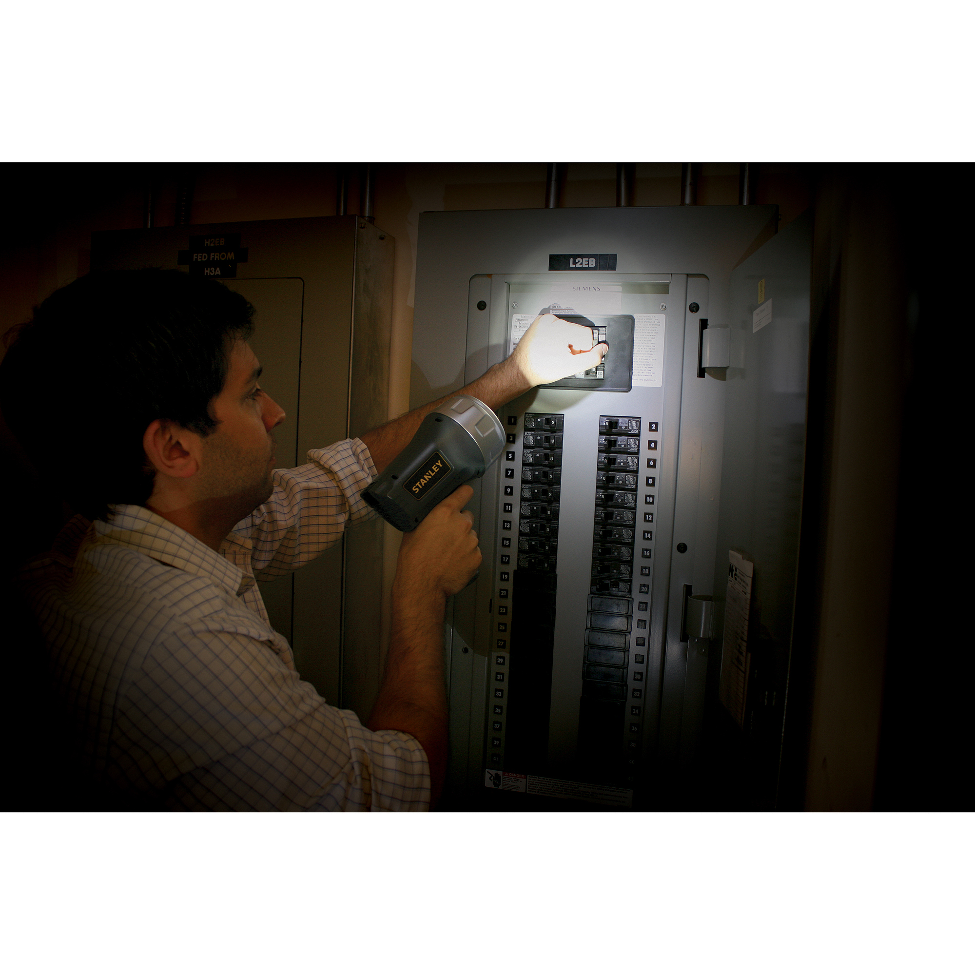 Stanley 3W LED Lithium-Ion Rechargeable Spotlight