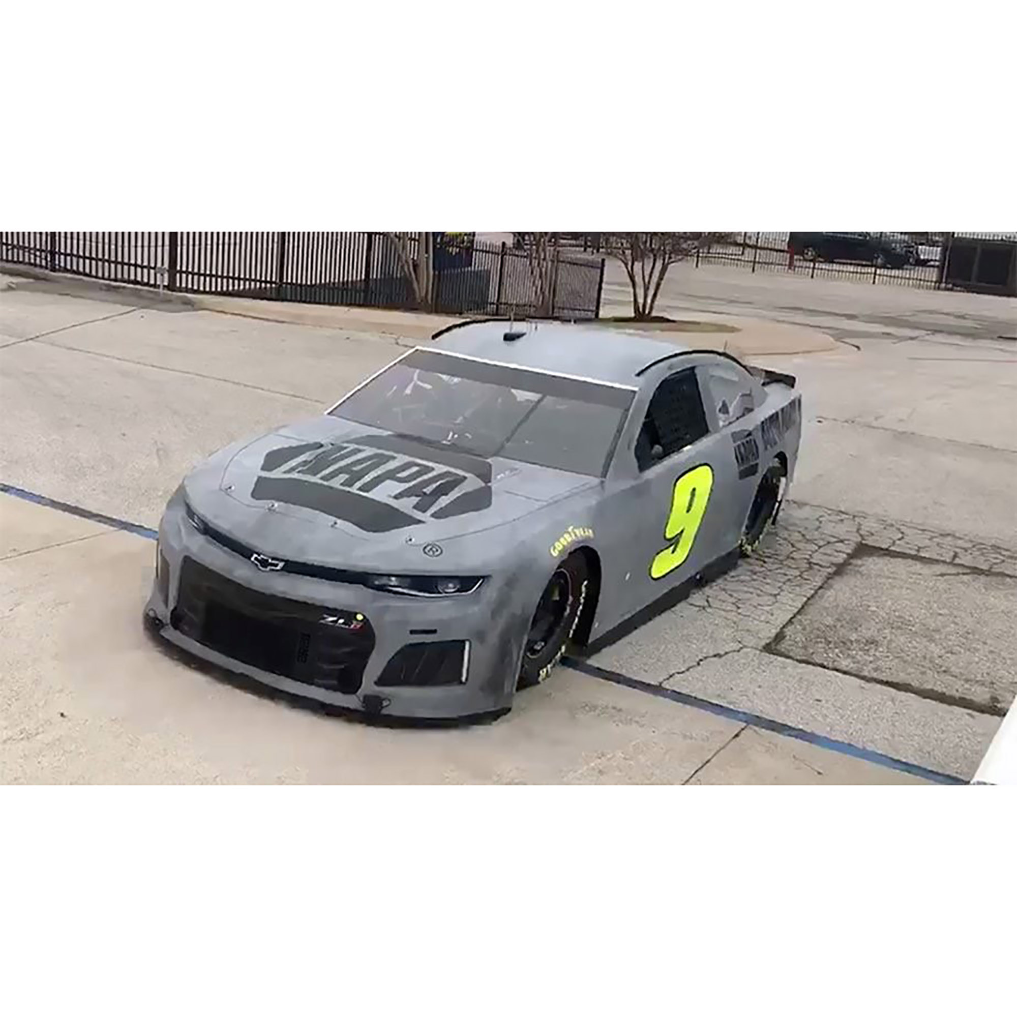 Lionel Racing Chase Elliott #9 NAPA Test Car 2018 Chevrolet Camaro 1:24 Scale HO Die-cast