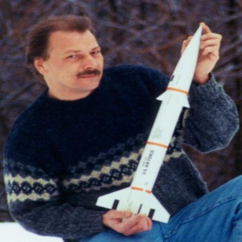Public Missiles PML Flying Model Rocket Kit Bull Puppy 2.1 by
