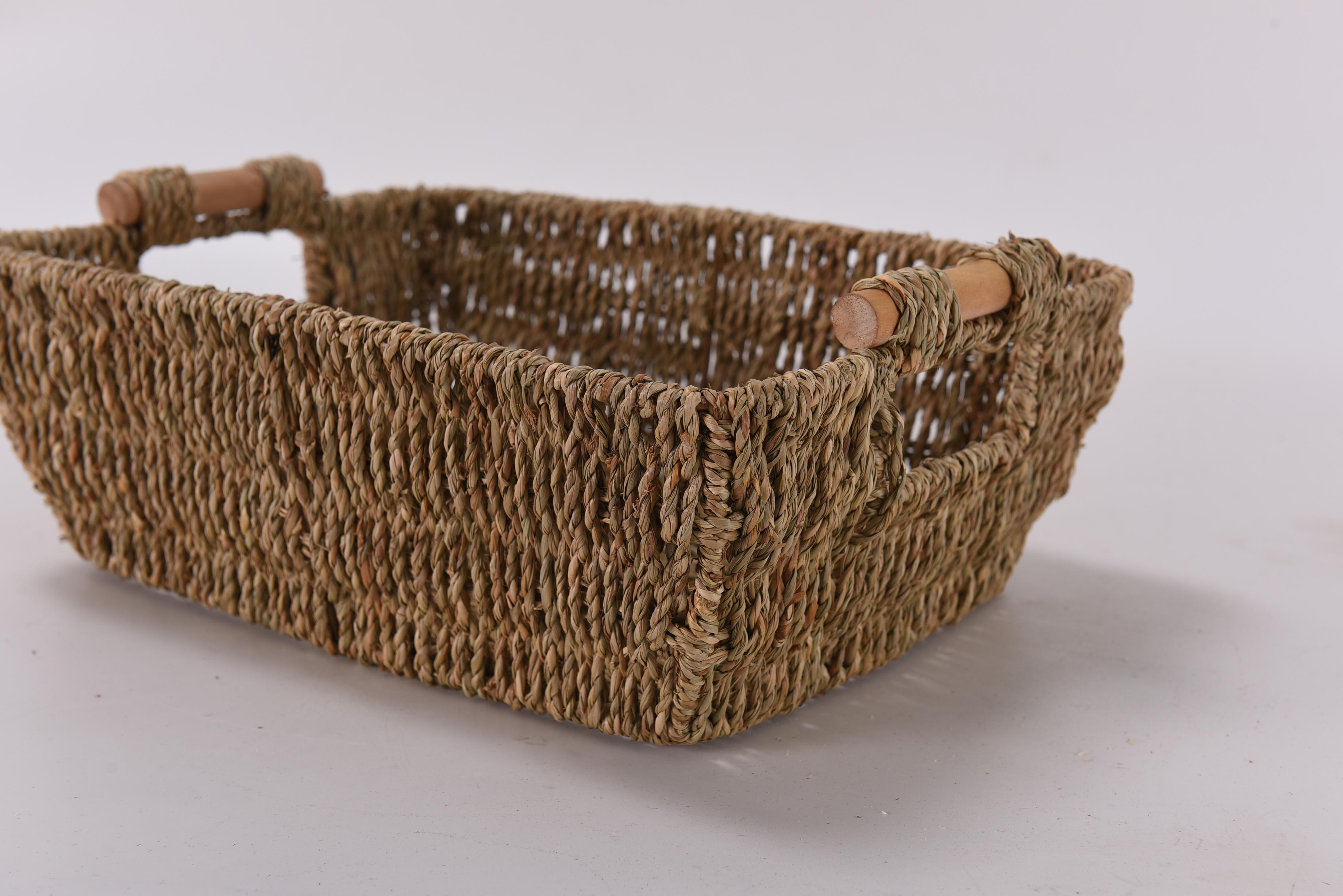 Fuara 2pcs Hand-Woven Large Storage Baskets with Wooden Handles Seagrass Wicker Baskets for Organizing