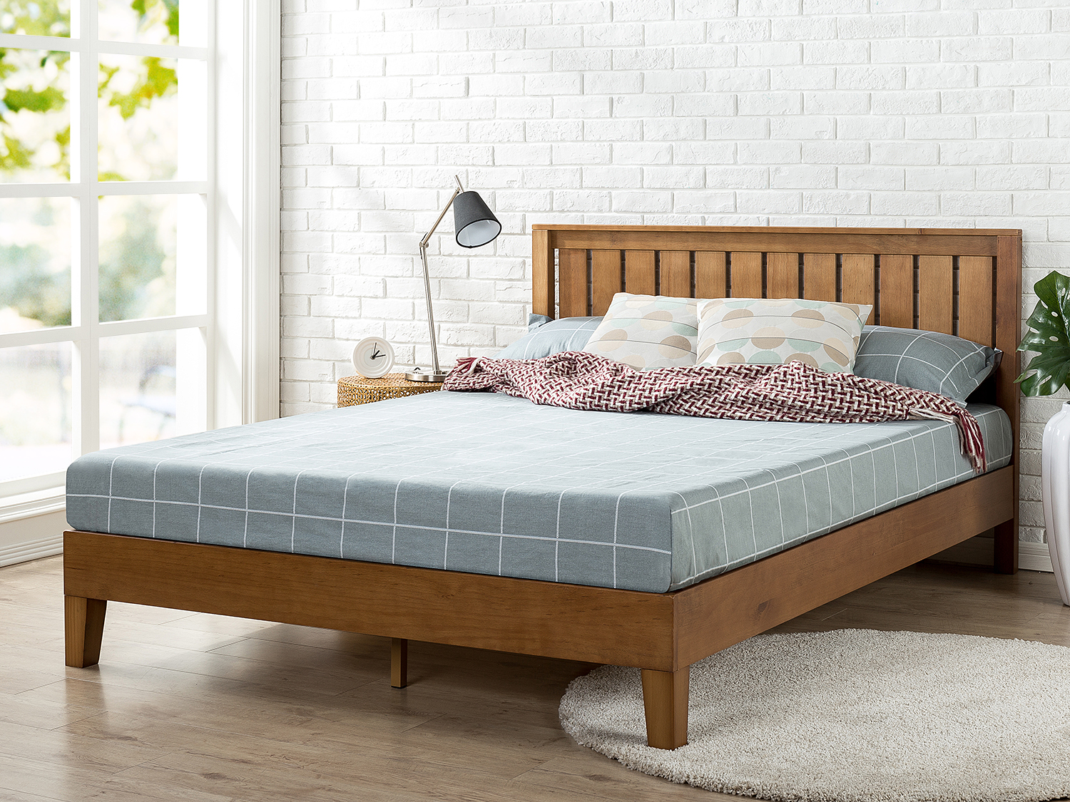 Zinus Alexis Deluxe Solid Wood Platform Bed With Headboard