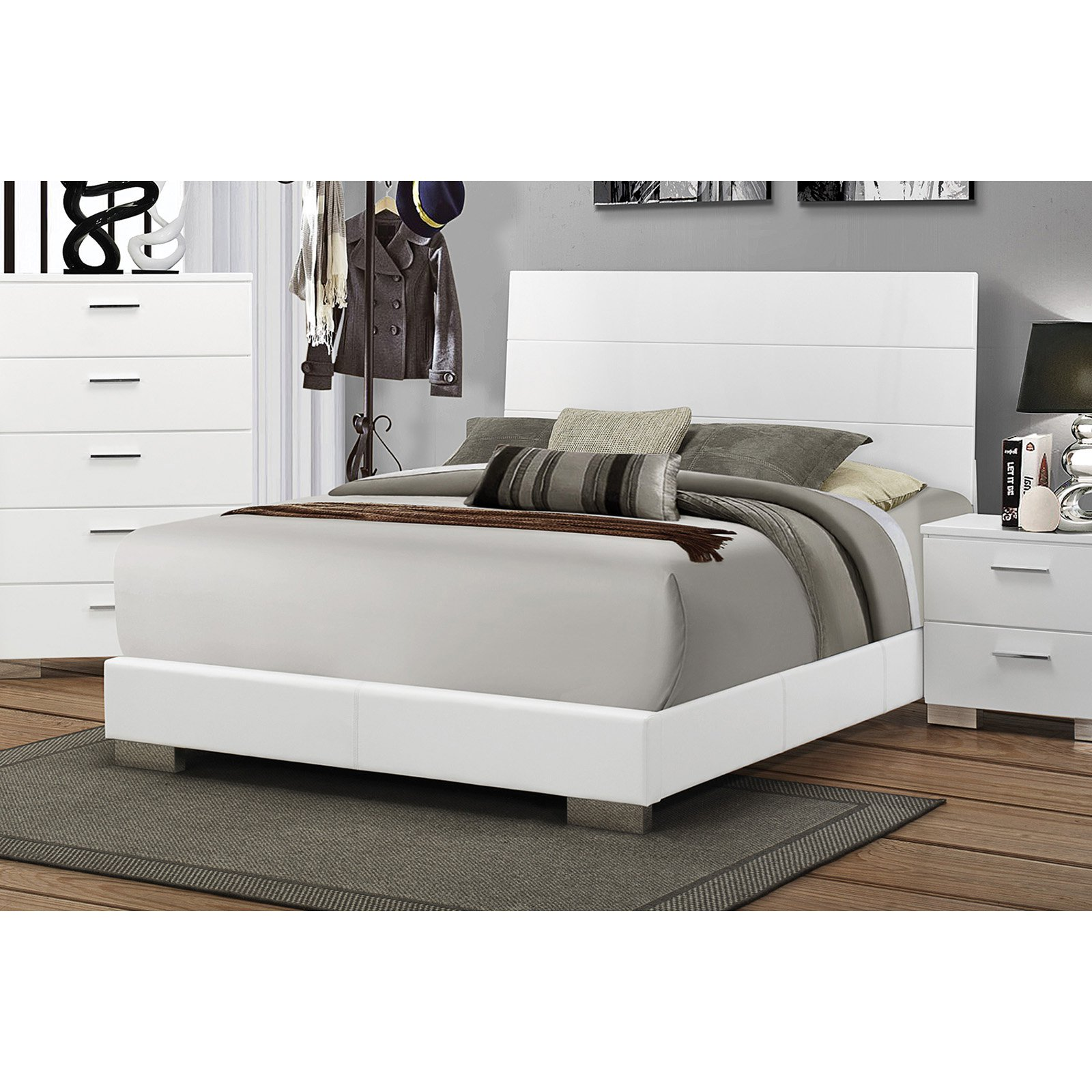 Coaster Furniture Felicity Upholstered Bed