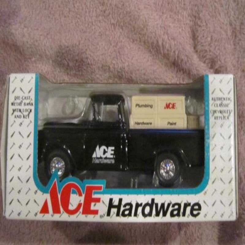 Ertl Ace Hardware Fifth Edition 1905 Ford Delivery Car Bank