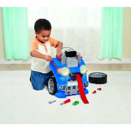Kid Connection Car Engine And Race Track Set (Funny Race Car)