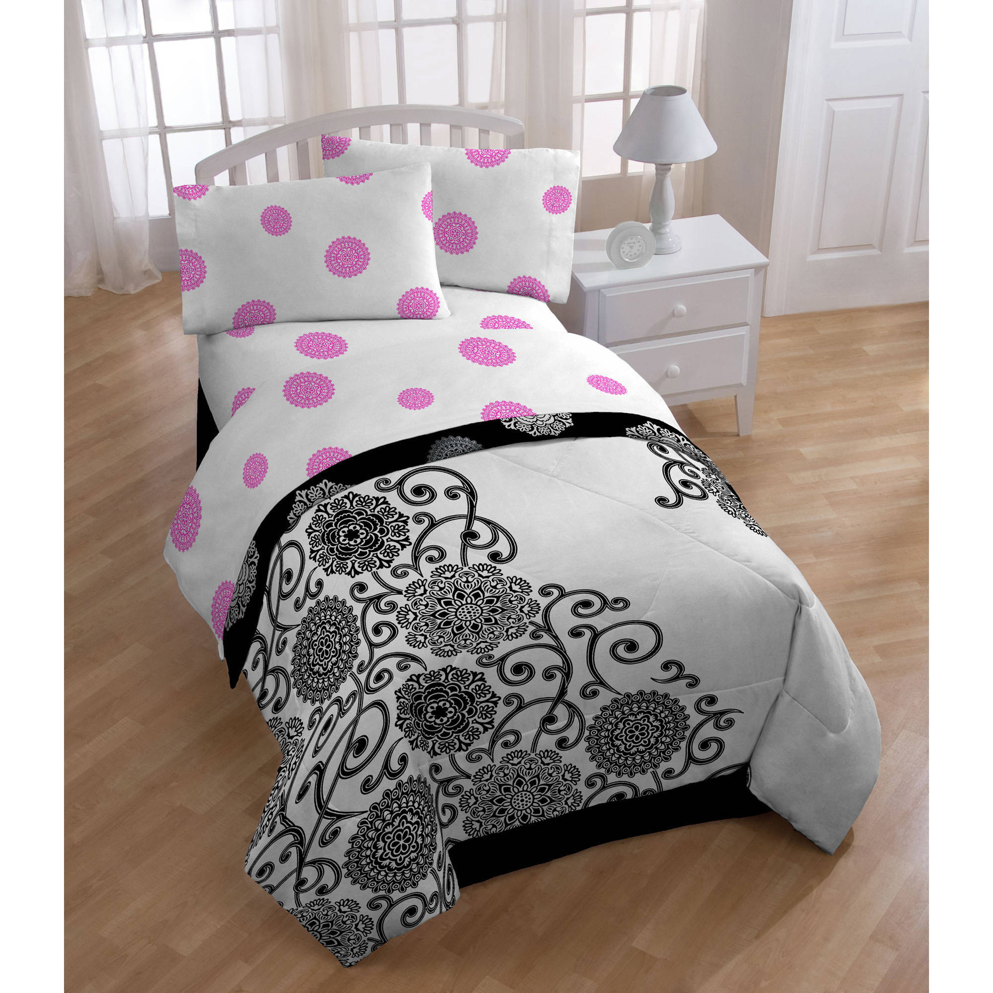 Silver Medallion Bedding Sheet Set