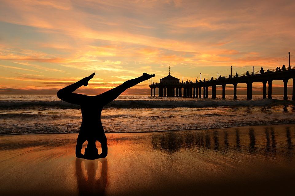 Canvas Print Headstand Sunset Beach