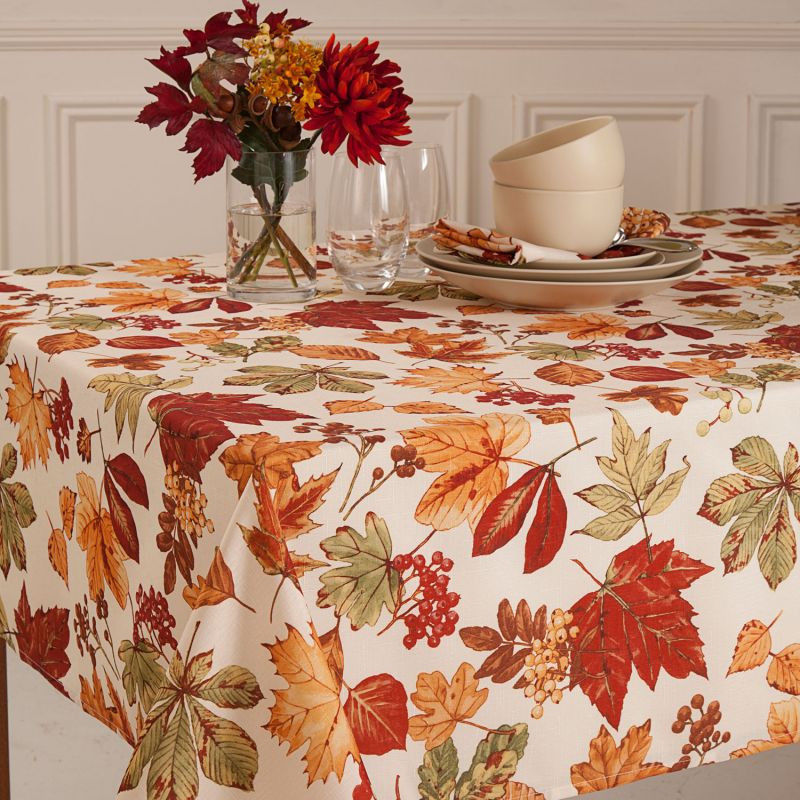 HomeCrate Elegant Fall Autumn Leaves Tablecloth, Glenwood Collection, 70  Inch Round