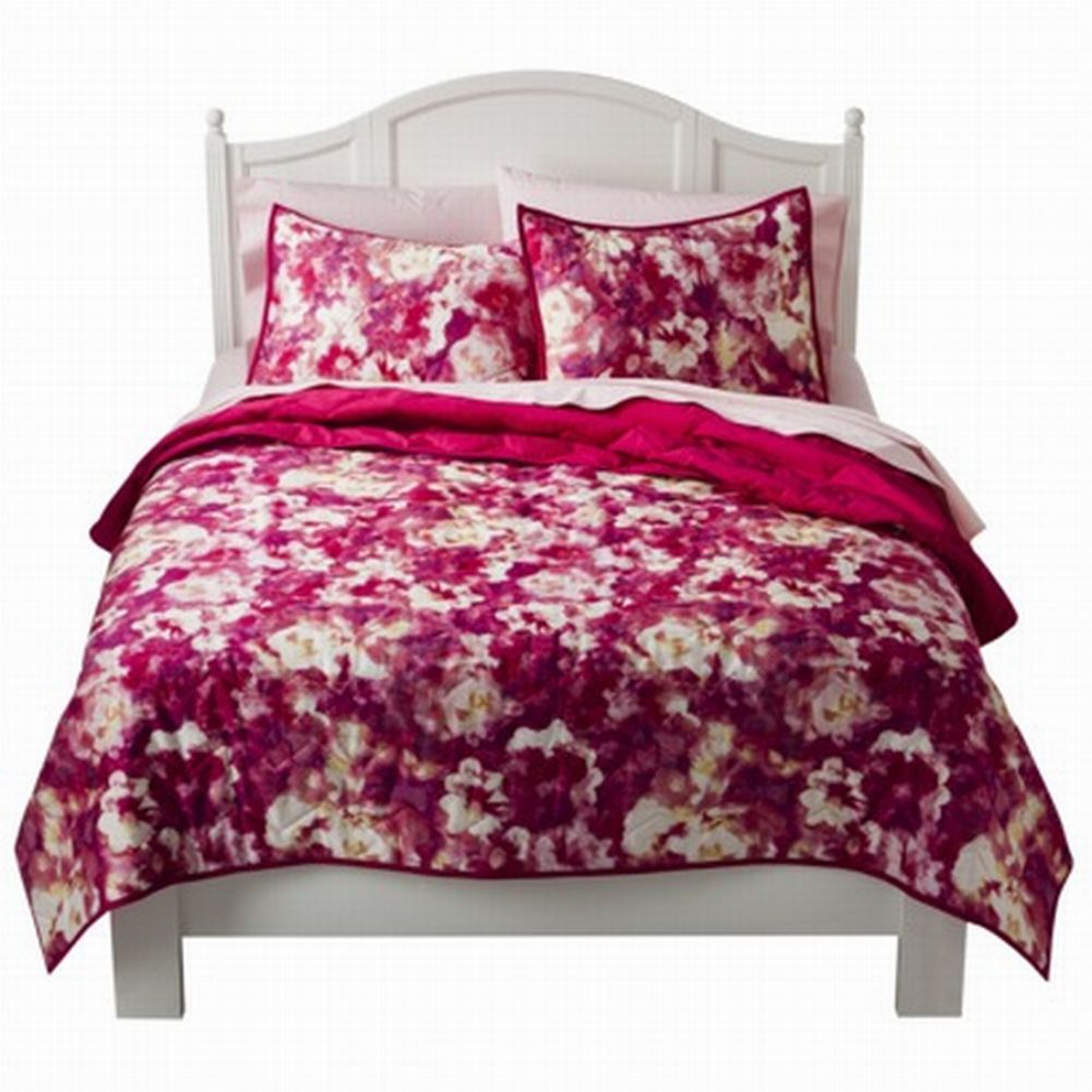 Xhilaration Twin XL Bed Quilt Pretty Pink Floral ...