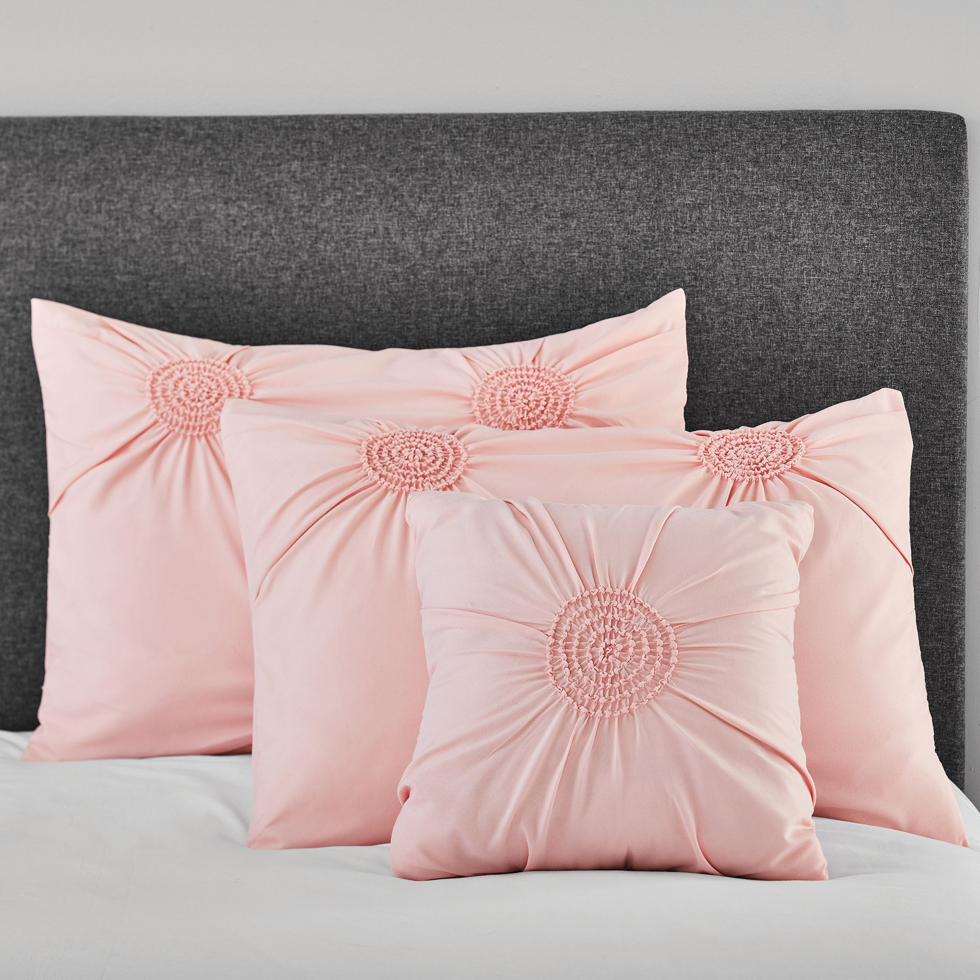 Mainstays Circle Ruched Solid Sham and Decorative Pillow Set