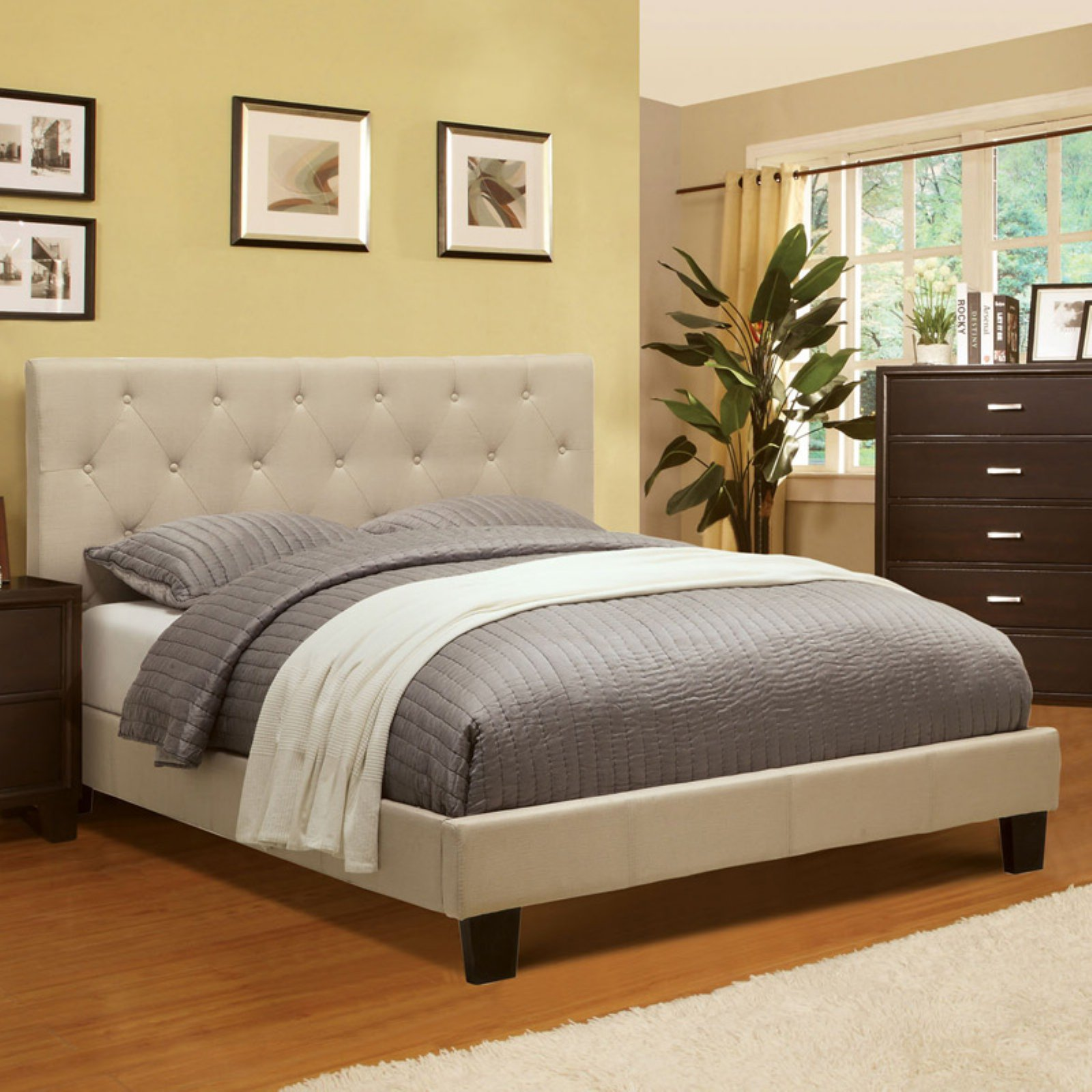 Furniture of America Wendy Tufted Platform Bed - Ivory