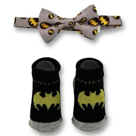DC Comics Baby Boys Batman Character Bow Tie and Socks Gift Set, Black And Gray, Age (Dc Comics Gifts)