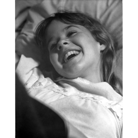 Linda Blair Smilig Classic Close Up Portrait Photo Print
