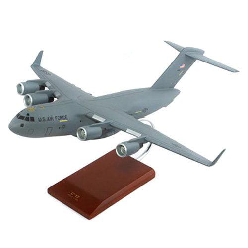 Daron Worldwide C-17 Globemaster III 1 100 Model Airplane by Toys and Models
