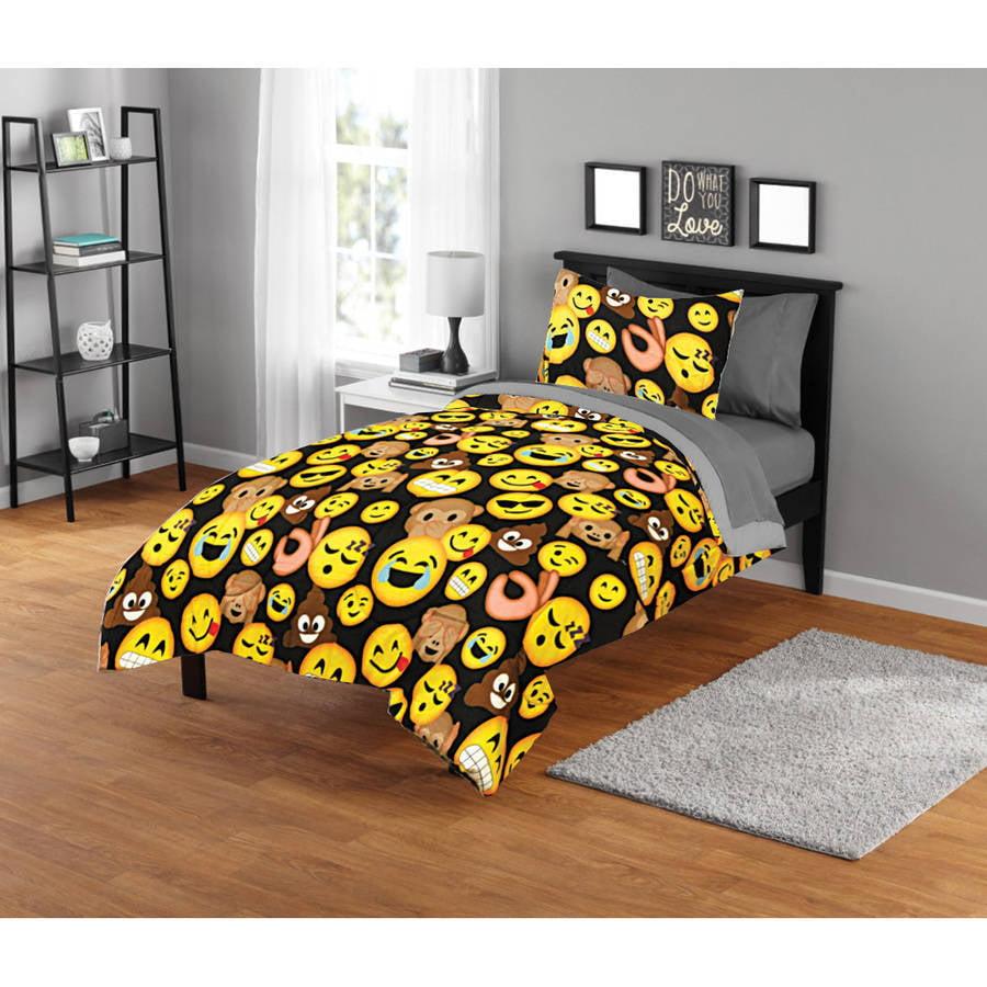 EmojiPals Smiley Face Comforter Set
