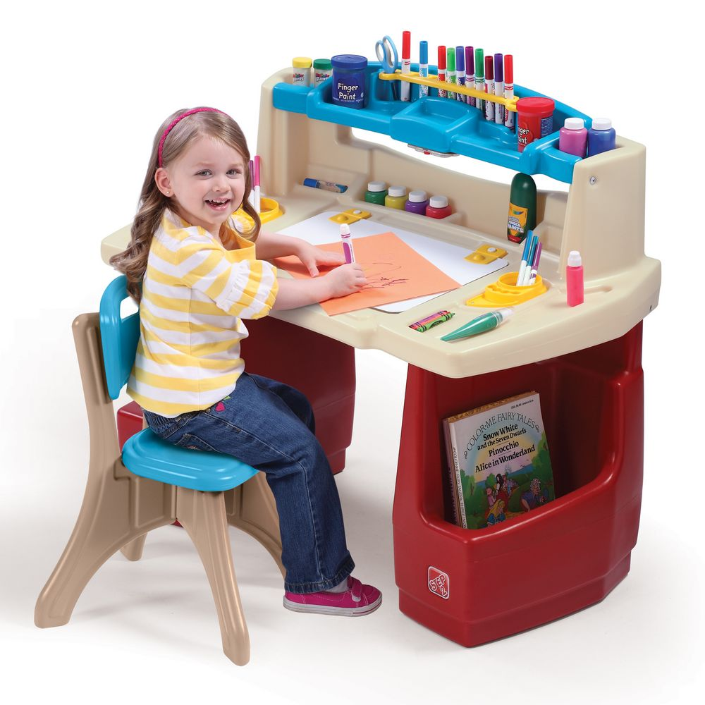Step2 Deluxe Art Master Desk Comes With A Comfortable New Traditions Chair    Walmart.com